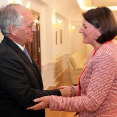 Ambasadori Wolfgang Ischinger n takim me Presidenten Atifete Jahjaga, 2012 | Foto: Presidenca e Kosovs