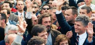 Lider�t e opozit�s n� nj� nga protestat kund�r sundimit t� Sllobodan Milloshevi�it